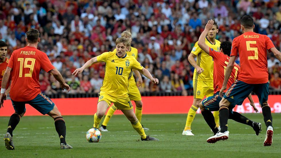 Emil Forsberg vill inte riskera nya problem med ljumskarna och spelar inte mot Färöarna. Arkivbild.