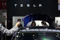 Tesla gick med 1,1 miljarder dollar i vinst förra kvartalet. Arkivbild.
