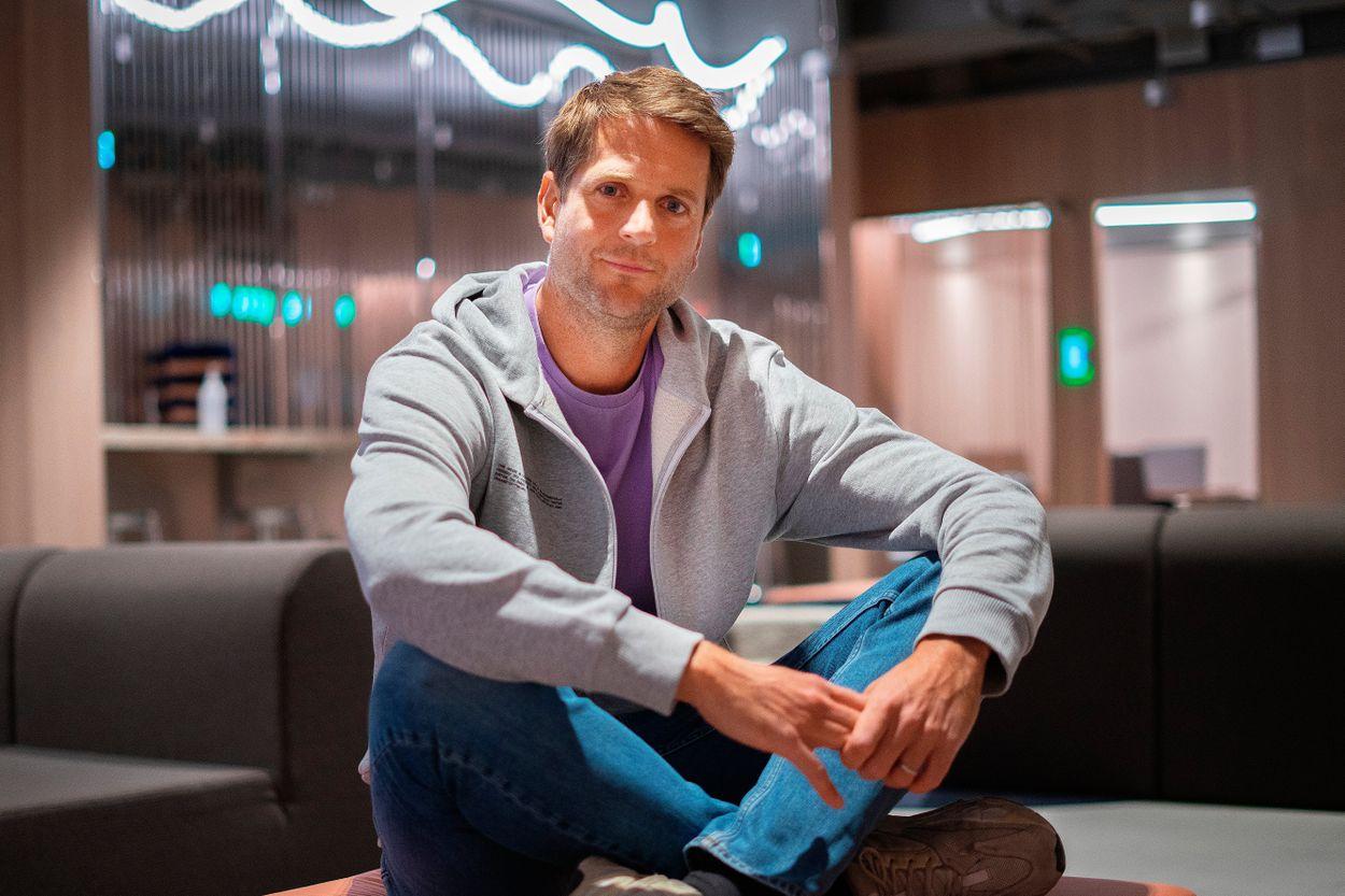 Klarna kritiseras ofta för att öka shoppingskulderna, men nu gör bolaget förändringar berättar vd Sebastian Siemiatkowski.
