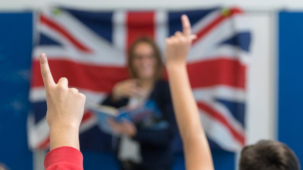 Strukturerad användning av parallella språk tränar båda språken bäst, särskilt det avancerade fackspråket.