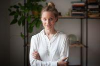 Helena Hasselman Larsson är creative director på skönhetsbolaget Björk & Berries.