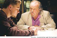 Leonardo DiCaprio spelar polis som infiltrerar vidrige gangsterbossen Jack Nicholsons hänsynsynslösa organisation.
