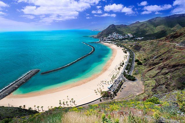 Playa de Las Teresitas nära Santa Cruz.