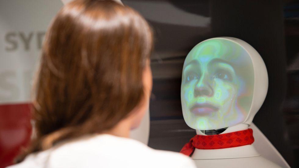 """""""Även en bil, en stad eller en robotdammsugare är numera ett instrument för datainsamling och övervakning"""""""