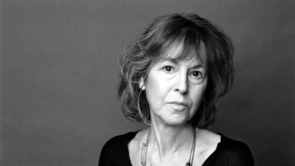 """Louise Glück har skrivit tolv diktsamlingar. Nu  presenteras hon för första gången på svenska med """"Averno"""", beskriven som hennes mästerverk."""