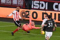 Manchester United-målvakten Dean Henderson fick en tuff inledning på matchen.