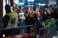 Många festsugna firade första fredagen utan coronarestriktioner genom att gå ut och roa sig på stan. Arkivbild.