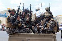 Talibaner på Kabuls flygplats. Arkivbild.