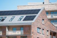 Solpaneler på tak i Norra Djurgårdsstaden i Stockholm. Arkivbild.