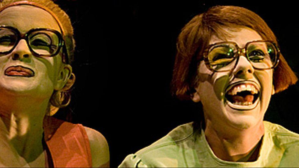 Sonja Ahlfors och Joanna Wingren i Jag är din flickvän nu.
