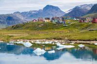 Narsaq på södra Grönland med 1 346 invånare.