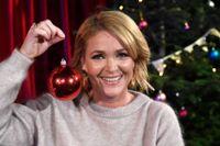 """Kattis Ahlström är årets julvärd i SVT. Att hon inte får fira hemma i år spelar inte så stor roll. """"Vi ska ses senare på kvällen och låtsas att det är julafton dagen därpå. Mina barn är väldigt stora så de tycker bara att det är roligt"""", säger hon. Arkivbild."""