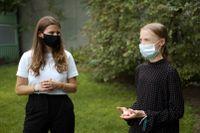 Klimataktivisterna Greta Thunberg och Luisa Neubauer efter ett möte med Tysklands förbundskansler Angela Merkel.