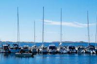 Du vill segla med klass, men saknar den där miljonen som en stor båt kostar? Lugn, vi listar både båtar för naturhamnen och gästhamnen som inte kostar en förmögenhet.