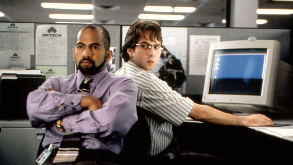"""Ajay Naidu och David Herman innan de gav sig på skrivaren i """"Office Space"""" från 1999."""