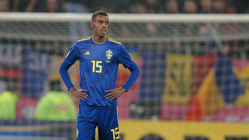 Alexander Isak när matchen mot Rumänien avbröts en kort stund på grund av rasistiska utrop.