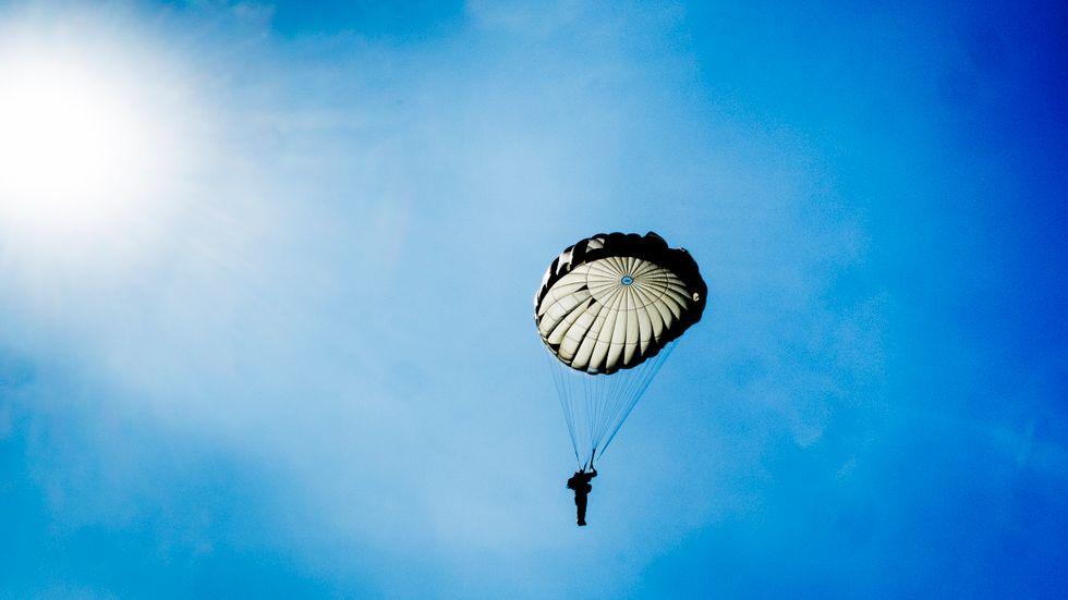 Neuropsykiatriska diagnoser diskvalificerar från fallskärmshopp, enligt Fallskärmsförbundets regler. Arkivbild.