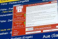 Tyska järnvägen drabbades av den massiva cyberattacken, här syns ett felmeddelande på en skärm på tågstationen i Chemnitz i sydöstra Tyskland.
