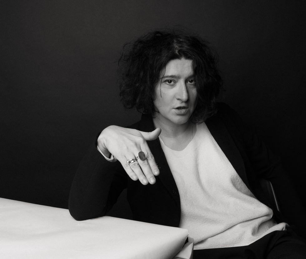 """Maria Stepanova (född 1972), är poet, essäist, journalist och chefredaktör för den oberoende och mikrofinansierade nättidningen colta.ru. """"Minnen av minnet""""  är hennes romandebut, nominerad till Jasnaja Poljana-priset."""