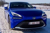 Toyota gör ett nytt försök att lansera bränslecellsbilen Mirai.