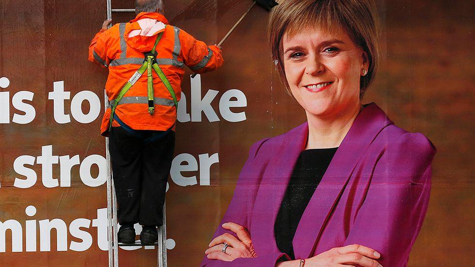 När Labour valt att utesluta ett samarbete med SNP väntas regeringsförhandlingarna bli tuffa. Det pratas redan om ett omval senare i år.
