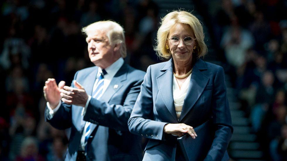 Donald Trump och Betys DeVos.