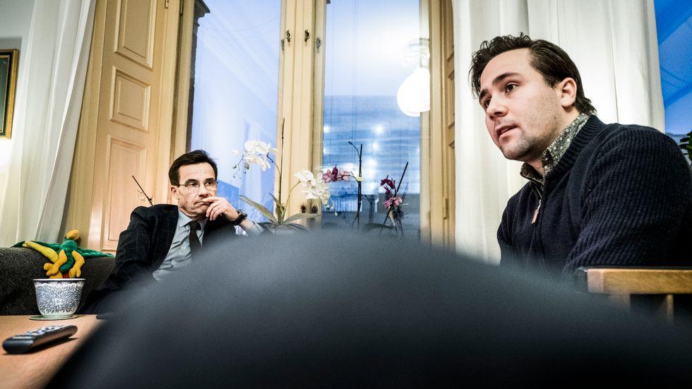 MUF-ordföranden Benjamin Dousa med moderatledaren Ulf Kristersson.