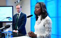 Mats Persson, ekonomisk-politisk talesperson (L), och partiledare Nyamko Sabuni presenterar stora skattesänkningar på jobb och företagande.