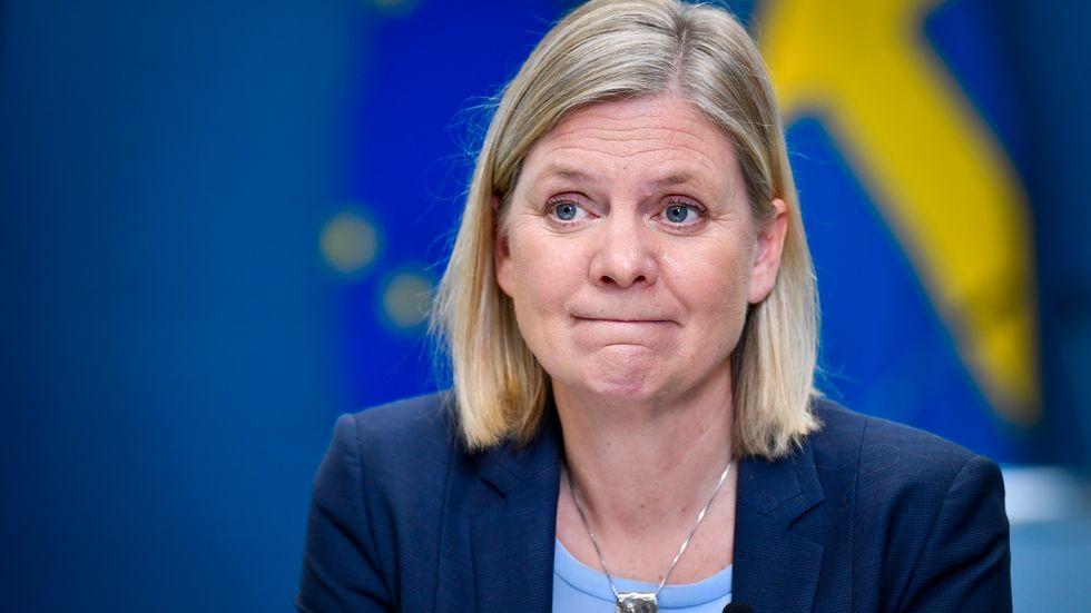 Nöjd finansminister trots skyhög arbetslöshet?