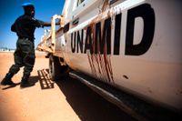 FN:s fredsbevarande insats i Darfur (Unamid) kommer att drabbas hårt om de planerade nedskärningarna går igenom. Arkivbild.