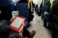 Den 1 juli sänks momsen på digitala böcker från 25 till 6 procent. Arkivbild.