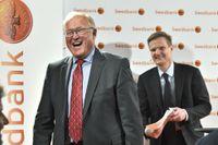 Swedbanks styrelseordförande Göran Persson kan skratta hela vägen till Ålandsbanken. Arkivbild.