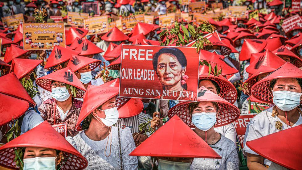 Sedan militärkuppen den 1 februari har över 1 000 människor gripits i Myanmar.