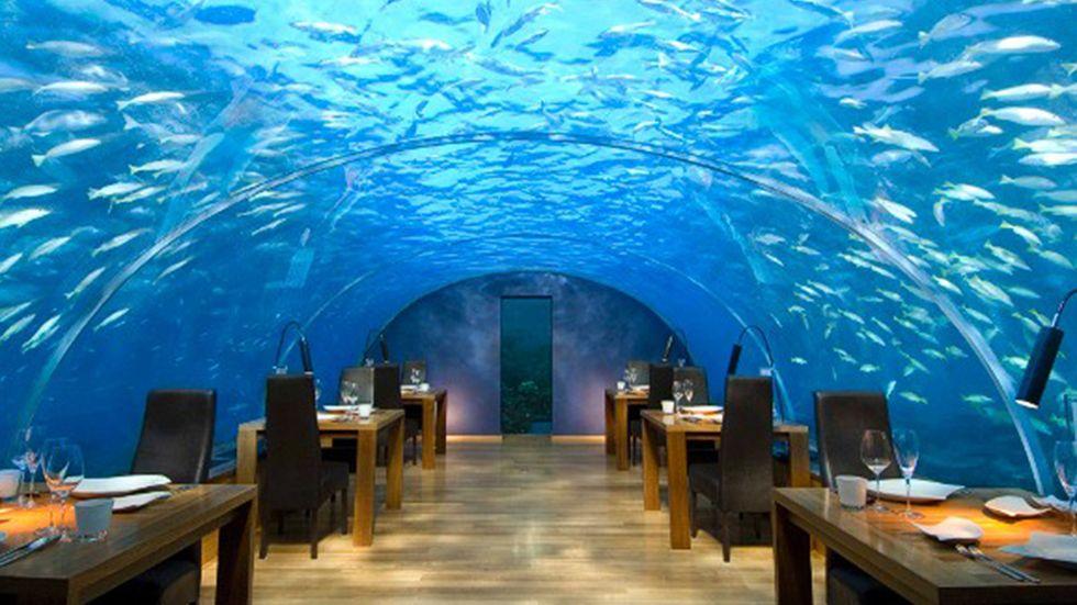 I lyxrestaurangen fem meter under ytan kan man inte bara äta. Man kan även gifta sig.