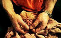Meditationsgrupp mediterar hemma hos Magdalena Mecweld.