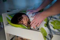 Bebisar, barn och tonåringar har behov av mer sömn än vuxna. Hjärnan och kroppen mognas och utvecklas medan de sover.