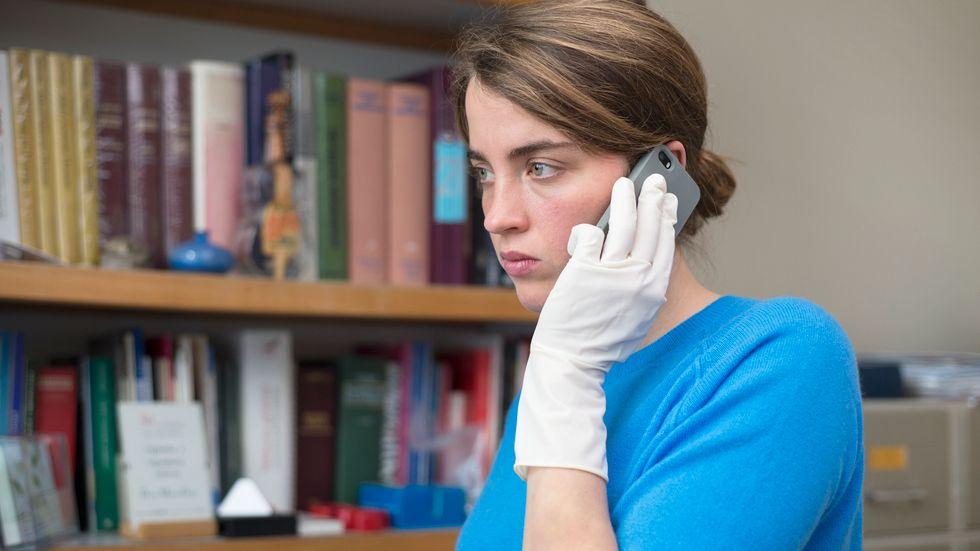 """Adèle Haenel som läkaren Jenny i """"Den okända flickan""""."""