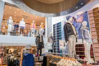 Öppningen av Uniqlos butik i Sverige markerar intåget på en sjunde marknad i Europa för den japanska klädkedjan.