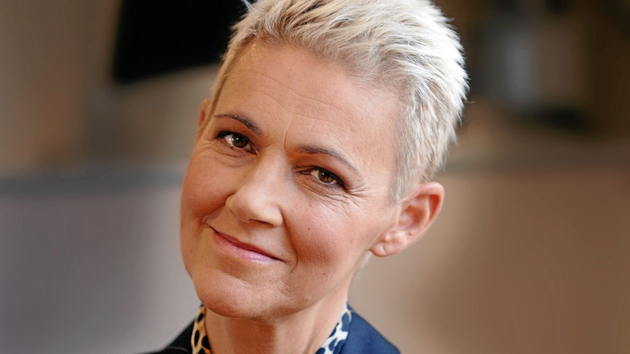 Marie Fredriksson är sparsam med intervjuer, söker hellre tystnaden och lugnet i familjen.