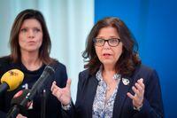 Arbetsmarknadsminister Eva Nordmark (S) och Arbetsförmedlingens generaldirektör Maria Mindhammar är inte överens. Arkivbild.