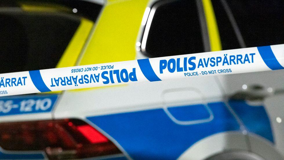 Polisen stängde av samtliga tillfartsvägar till platsen under bråket i Högsbo. Arkivbild.