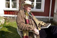 """SvD:s före detta chefredaktör Gustaf """"Buster"""" von Platen hemma i Saltsjö-Duvnäs. På söndagseftermiddagen avled han på Nacka sjukhus."""