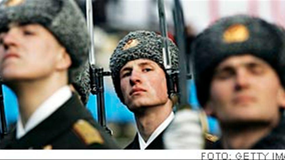 Varje dag får vi oroande nyheter om utvecklingen i Ryssland. Vi ser framväxten av ett ungdomsgarde, lydande direkt under Putin, som efterhand organiseras på ett sätt som skapar obehagliga associationer, skriver överste Bo Pellnäs.