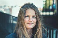 """Norska Ingvild H Rishøi (född 1978) debuterade 2007 med""""La stå"""". Hon har belönats med bland annat Bragepriset (för""""Vinternoveller""""), Sult-priset och P O Enquists pris."""
