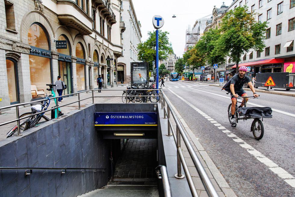 Tunnelbanan vid Östermalmstorg riskerar att svämmas över vid ett kraftigt skyfall.