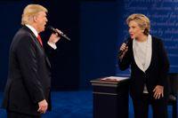 Vid var sin pol: Donald Trump och Hillary Clinton under presidentvalskampanjen 2016.