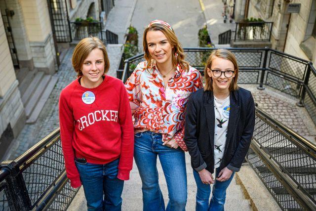 """""""Hon var rolig"""", är juniorreportarna Irma-Li och Astrids omdöme efter att ha intervjuat influencern Margaux Dietz."""