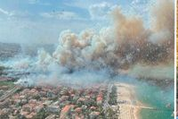 Bränder rasar vid flera turistdestinationer i Europa, bland annat i italienska Pescara (bilden), i Turkiet och på grekiska Rhodos. På Rhodos befinner sig svenska Nathalie Stigenberg.