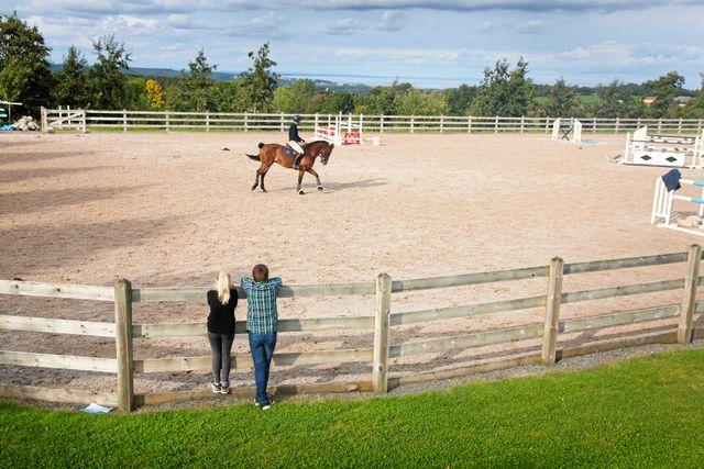 """Peder har alltid älskat att hålla på med djur, speciellt hästar. """"Det roligaste med hästar är att lära känna dem, och följa deras utveckling. Varje ny häst är en utmaning"""", säger han."""