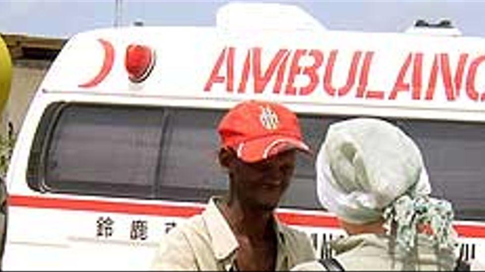 Den svenske frilansjournalisten Martin Adler sköts ihjäl i Somalia 2006. Bilden visar ambulansen med Adlers kropp när denna fördes till Nairobi.